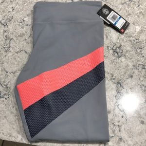 Size extra large Under Armour leggings!